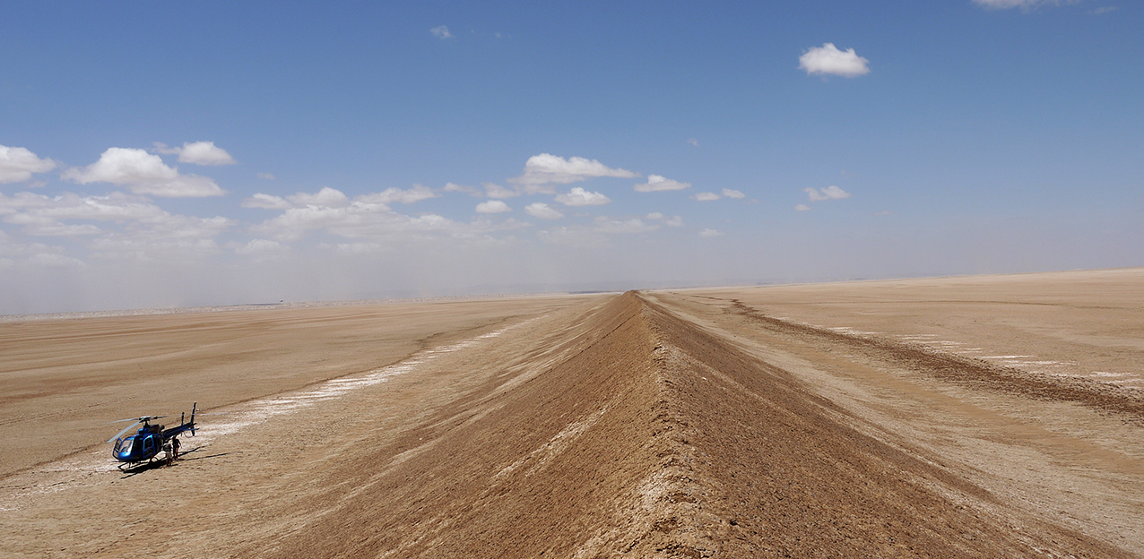 Chalbi Desert, lone sand dune