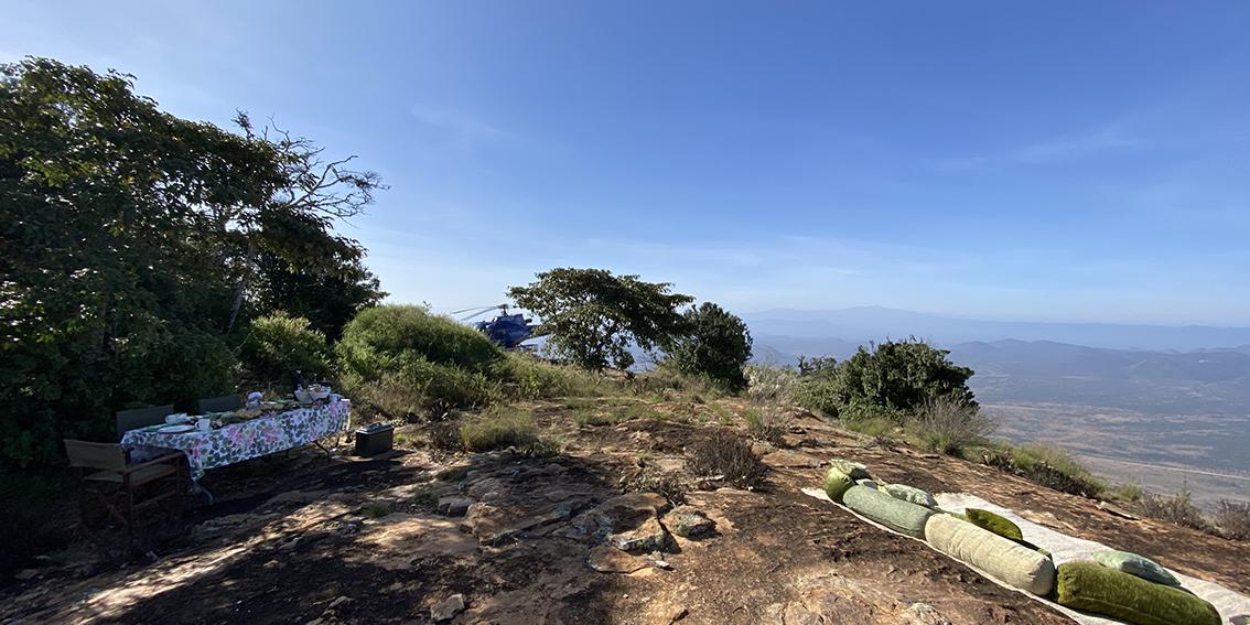 Ol Lolokwe picnic breakfast, Samburu